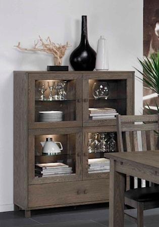 Scandinavian concept Perennial skåp med glasdörrar