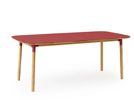 Normann Copenhagen Form Bord Röd/Ek 95×200 cm