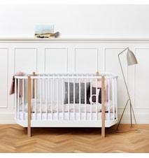 Wood cot barnsäng