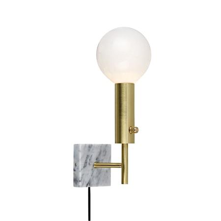 Bild av Markslöjd Marble Square Vägglampa Mässing