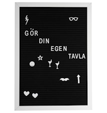 Bokstavstavla  vit ram svart filt  42*30*1,8 cm