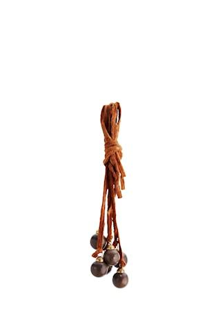 Madam Stoltz Koristeriipus 30 cm – Pihka