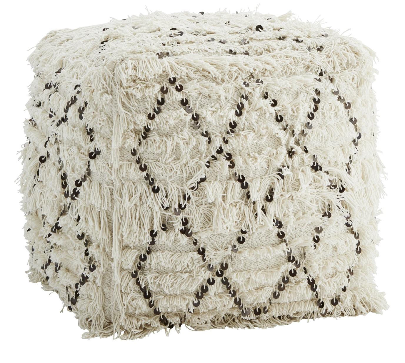 Off white wool sittpuff