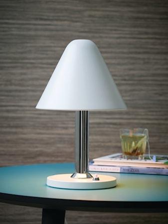 Bild av Herstal Y1944 bordslampa - Vit
