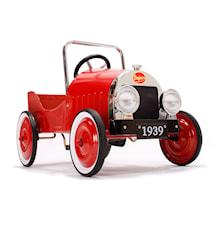 Classic red trampbil