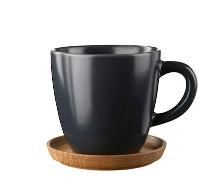 HK Kahvimuki 33 cl. Grafiitinharmaa puualustalla
