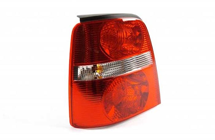 Baklykta vä vit/röd VW Touran