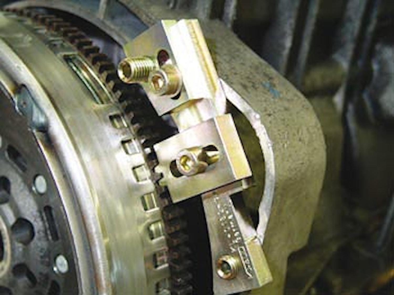 Låsverktyg för svänghjul