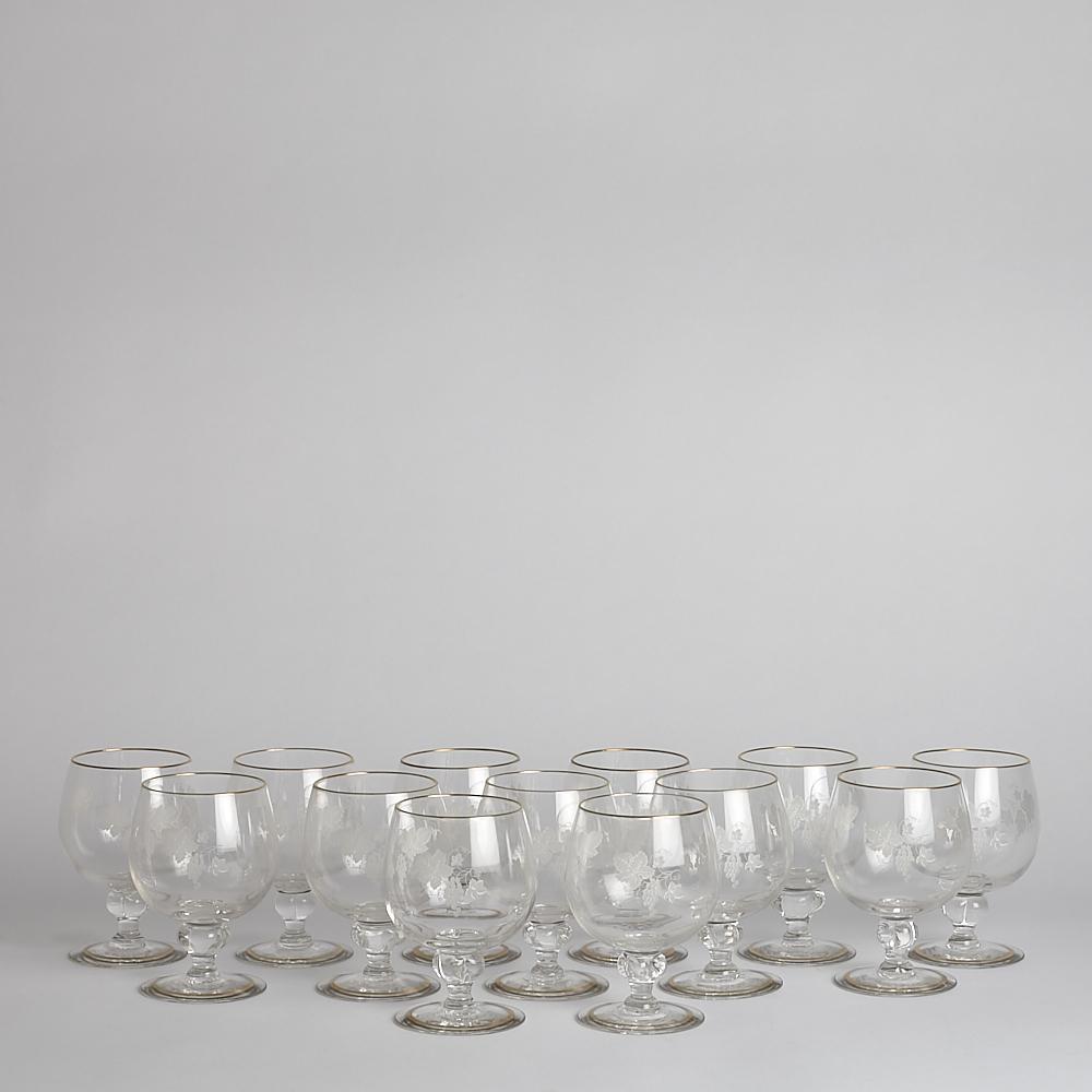 SÅLD Vintage  vinglas med gravyr 13 st