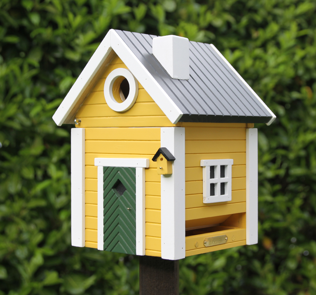 Weather-Resistant Wood Multiple Mounting Options Designed in Sweden WILDLIFEGARDEN Multiholk Red Cottage Birdhouse Switches from Nest-Box to Feeder