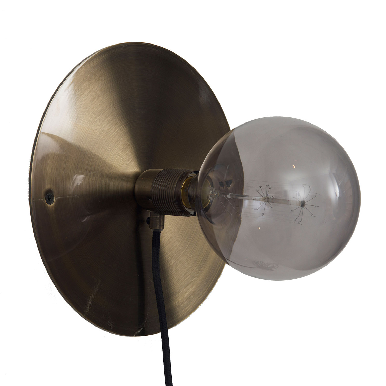 Bilde av Frama-Frama E27 Vegglampe Medium, Messing/Sort