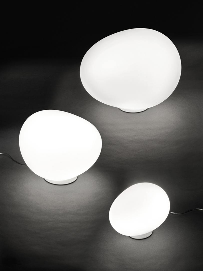 Poly Gregg Tischleuchte XL, Weiß Foscarini @ RoyalDesign