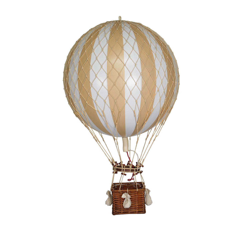 Jules Verne Luftballong, White Ivory