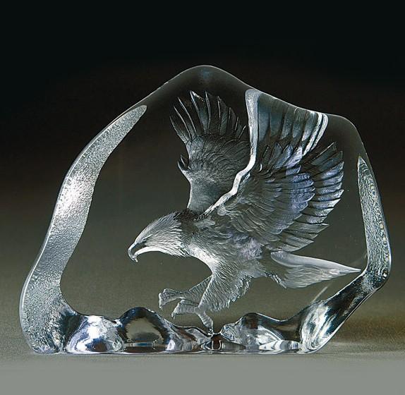 Målerås Glasbruk Wildlife Örn, Flygande